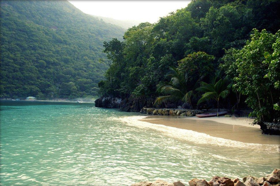 фото острова гаити действительно, мопс зрелище