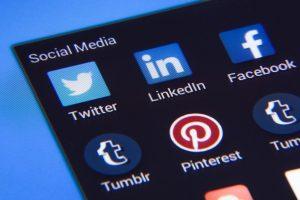 Read more about the article Facebook и Twitter: Директор по информационным технологиям открыт для социальных сетей (перевод с английского)
