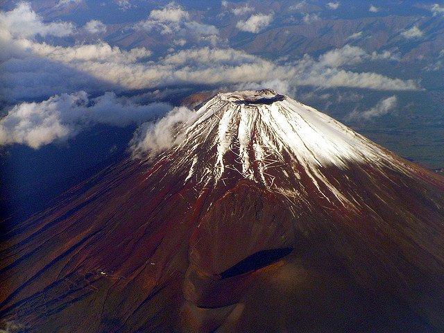 You are currently viewing 12 великолепных вулканов планеты