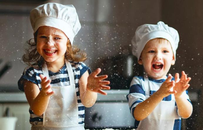 Read more about the article Как совместить детей и кухню?
