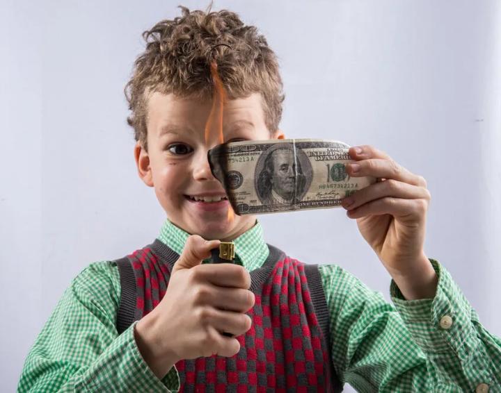 You are currently viewing Как научить детей обращаться с деньгами