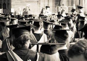 Read more about the article 13 вопросов, которые стоит себе задать через 20 лет после окончания учёбы