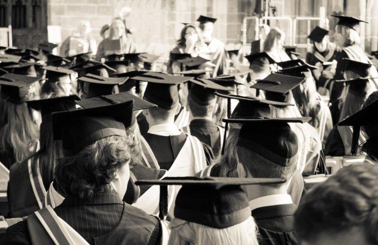 13 вопросов, которые стоит себе задать через 20 лет после окончания учёбы
