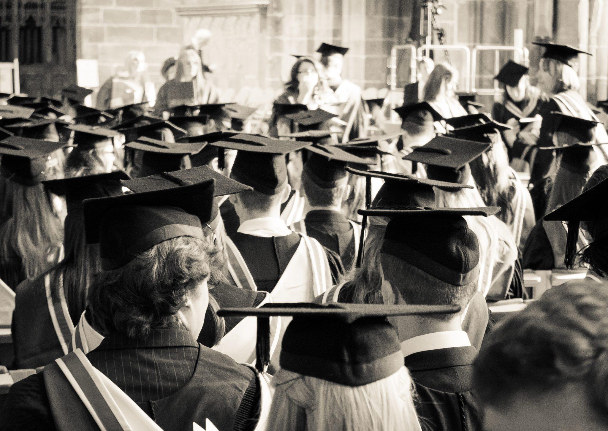 You are currently viewing 13 вопросов, которые стоит себе задать через 20 лет после окончания учёбы